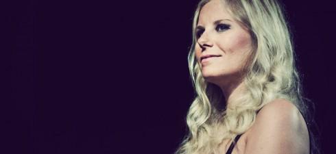 Chiara Ragnini premiata al Premio Lunezia 2014 La cantautrice ligure si è classificata sul podio fra le Nuove Proposte Autori di Testo al Premio Lunezia con l'inedito grigiocielo, su oltre...
