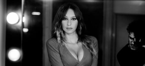 Si chiama Zaira ha 23 anni ed è di Napoli, vediamo di conoscerla meglio in questa fotointervista Descriviti al nostro pubblico raccontami un po' di te. Ciao Alex, come hai...