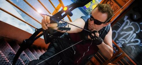 Cari amici oggi parleremo del mondo dei cosplayers e lo faremo in compagnia di Chris Heaven, conosciuto come Capitan Uncino, Sweeney Todd, Christophe Saignant della Casata dei Vampiri e ora…HAWKEYE...