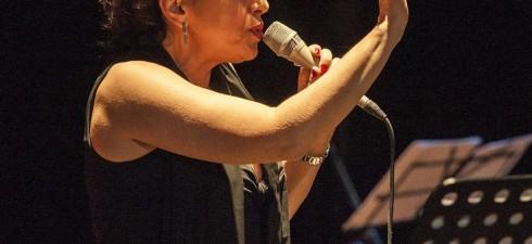 """Una performance da non perdere quella presentata da Ada Montellanico per """"Torbellamusica"""" il 12 febbraio alle 21, in scena al Teatro Tor Bella Monaca con un concerto per ricordare Billie..."""
