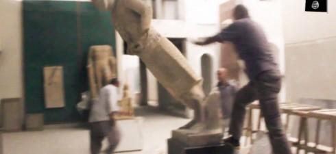 Durante il regno di Assurbanipal, Ninive era una delle città più importanti della Mesopotamia , nel suo museo erano custoditi reperti dal valore incalcolabile, che risalgono a centinaia di anni...