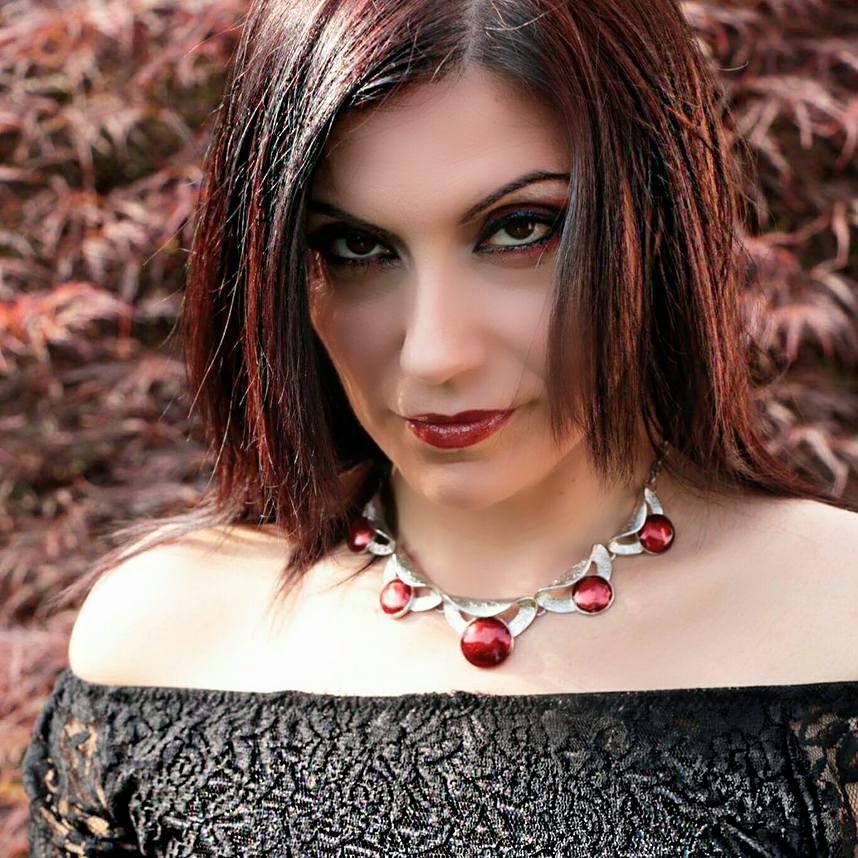"""Il cortometraggio """"The Choice"""" di Annamaria Lorusso sarà uno dei 4 corti che parteciperanno alla selezione finale del Torino Comics Horror Fest, ho chiesto alla regista Annamaria Lorusso, di parlarci […]"""
