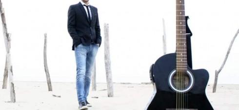 """""""Dammi un attimo"""" il nuovo singolo del cantautore Marco Santilli. Nel video anche Laura Freddi """"Dammi un attimo"""", una canzone dove lei ripensa a sposarlo, perché riceve altre vibrazioni, in […]"""