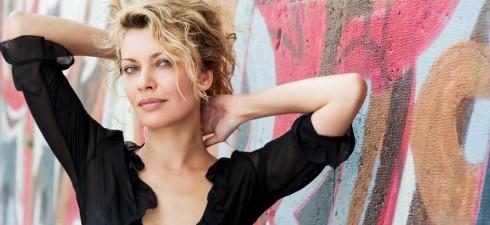 Cari amici, oggi sono in compagnia della bellissima e bravissima Angelica Novak. Prima di partire con l'intervista voglio presentarvela con questa scheda. Laureata in legge, abbandona la carriera giuridica per […]