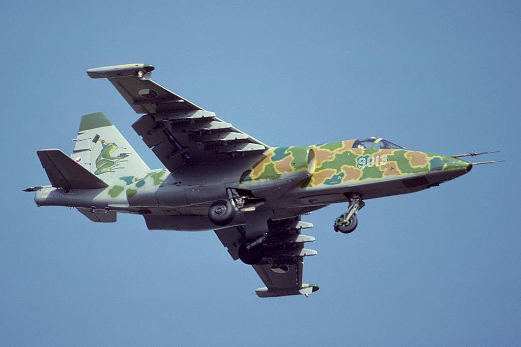 Sukhoi_Su-25K_at_RIAT-92