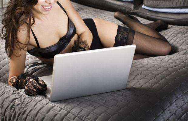 Roma, 26 ottobre 2015 – Anche alle donne piace il Porno. Lo rivela una ricerca pubblicata da PornHub da cui risulta in costante aumento la percentuale di donne rispetto agli […]
