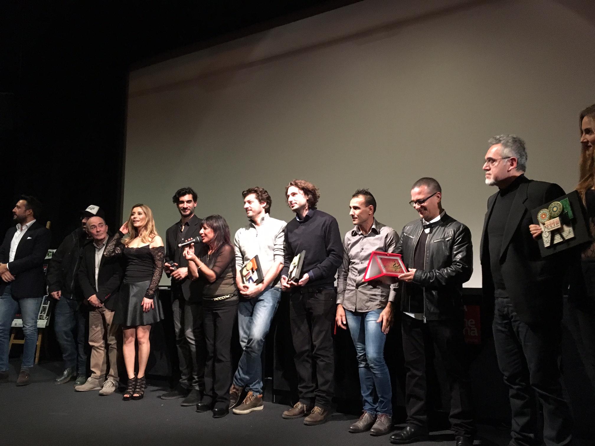 Musica e cinema connubio vincente RomaVideoClip 2015 – Il cinema incontra la musica XIII edizione È stata una grande serata di musica e cinema quella della tredicesima edizione di RomaVideoclip […]