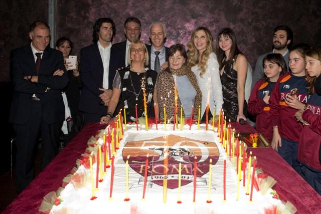 Circa 500 persone si sono dati appuntamento al Planet Roma, il locale più importante della movida capitolina, per celebrare degnamente un evento, presentato da Cosetta Turco e da Fabrizio Pacifici: […]