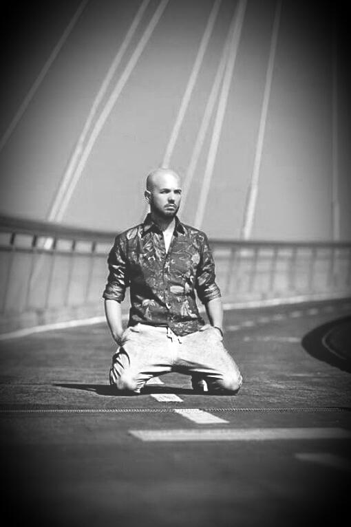 Simone Racioppo è uno stilista abruzzese, nato nel 1977 a Miglianico (Chieti), con quindici anni di onorata e luminosa carriera alle spalle. Simone Racioppo è appassionato di moda sin dalla […]