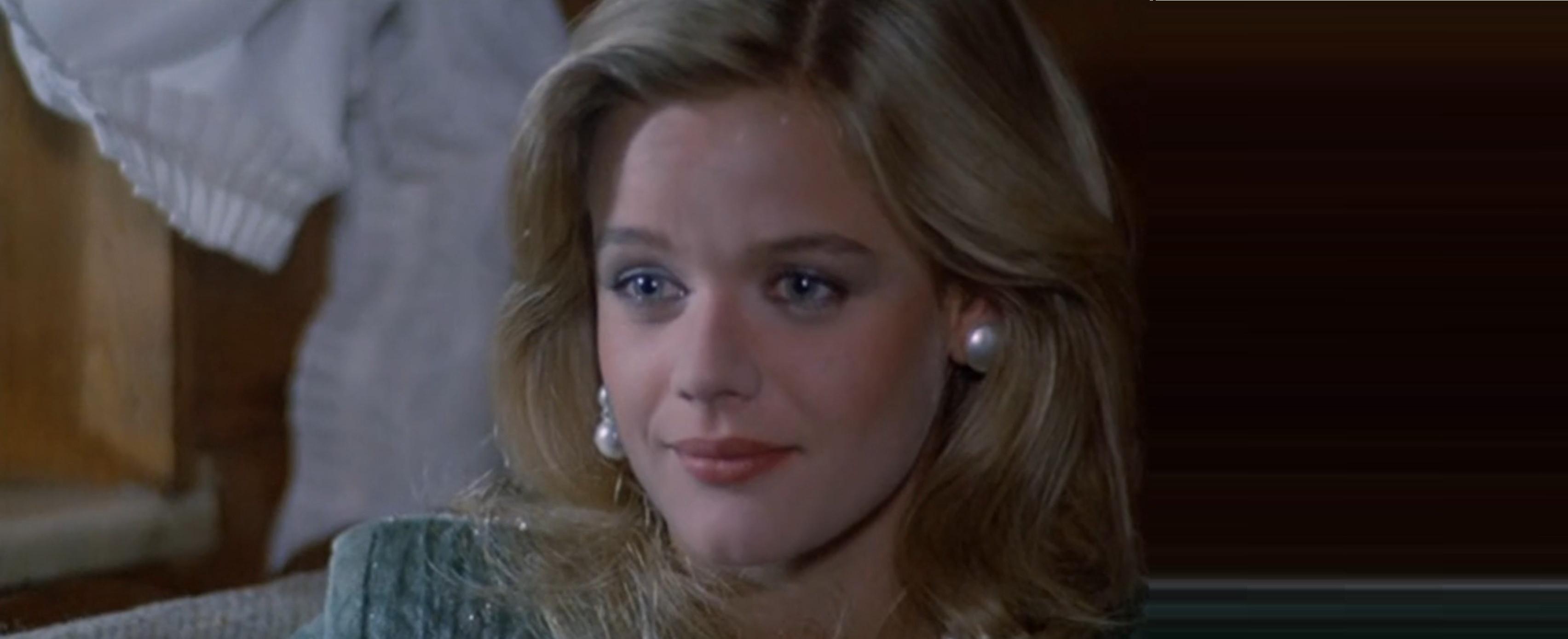 """Dopo Riccardo Garrone (leggil'articolo) i fan del primo, mitico film di """"Vacanze di Natale"""" perdono un'altra loro beniamina. E' infatti mancata a soli 55 anni l'attrice Karina Huff, deceduta ieri […]"""