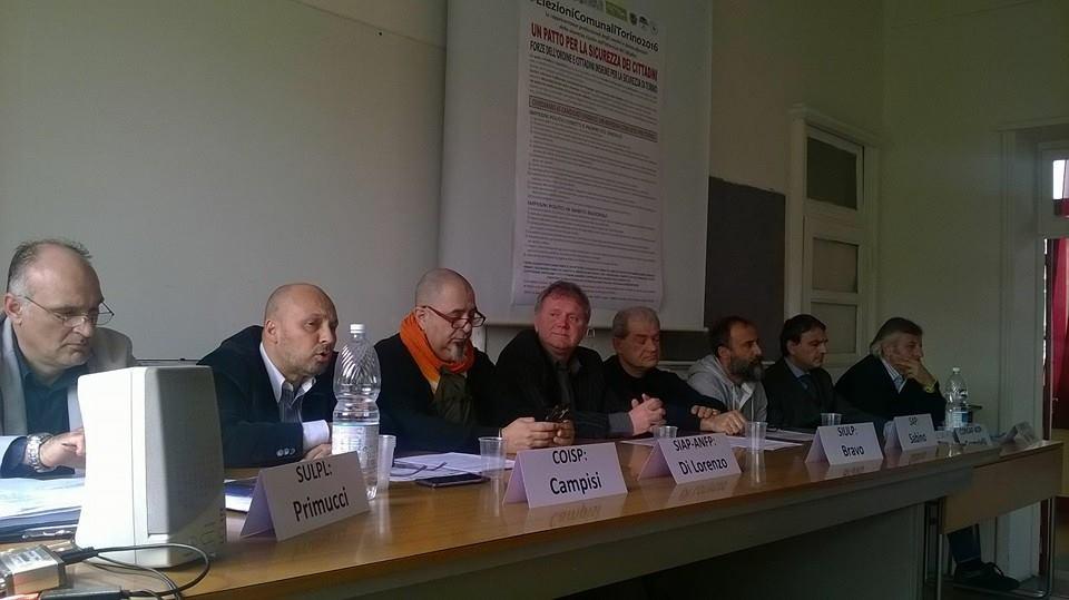 Si è tenuta ieri, venerdì 8 aprile 2016, la conferenza stampa indetta dalle rappresentanze dei lavoratori delle forze di polizia e polizia locale che operano nella città di Torino. In […]