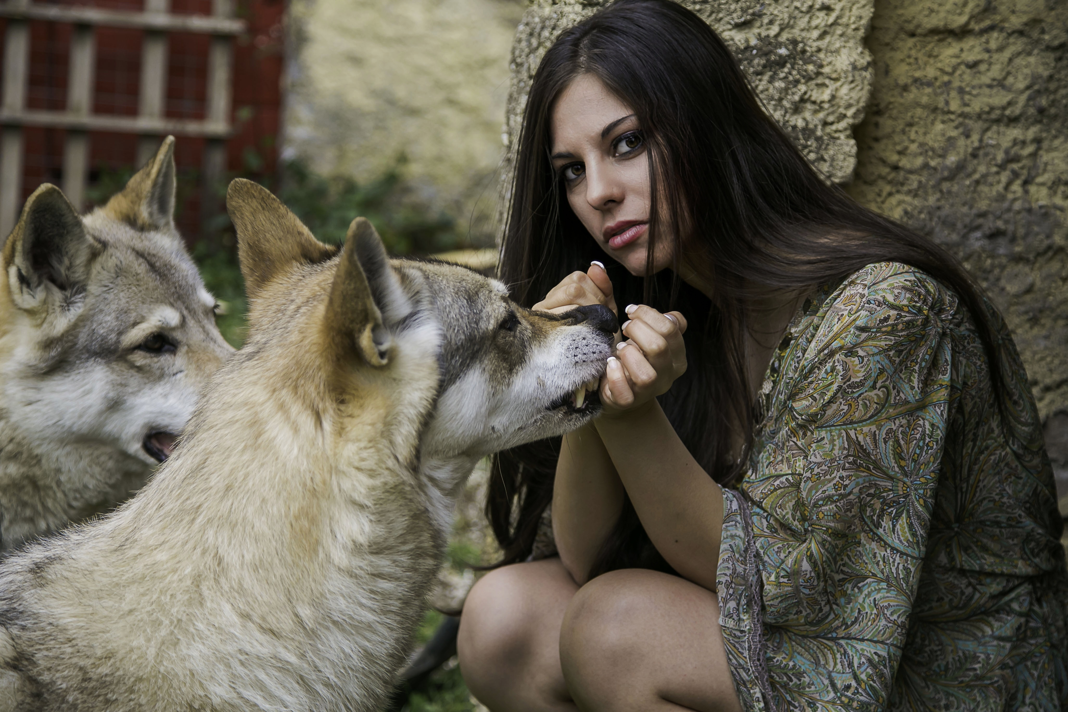 """Serena Saitta nasce a Palermo nel 1982 e trascorre la sua vita in un piccolo paesino di Perugia quale """"Colombella"""". Coltiva il sogno di diventare attrice fin da piccola. La […]"""