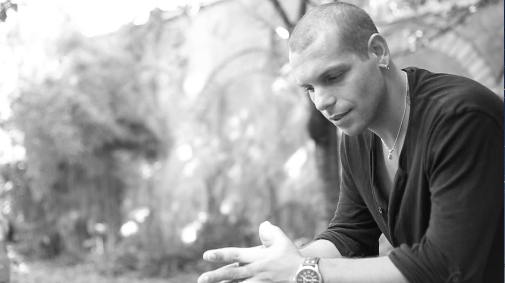 """Mondospettacolo ha incontrato il cantautore toscano Christian Palladino, per parlare del suo nuovo singolo, uscito da poco, dal titolo """"Un'estate fantastica"""" e dei suoi progetti artistici per il futuro prossimo. […]"""