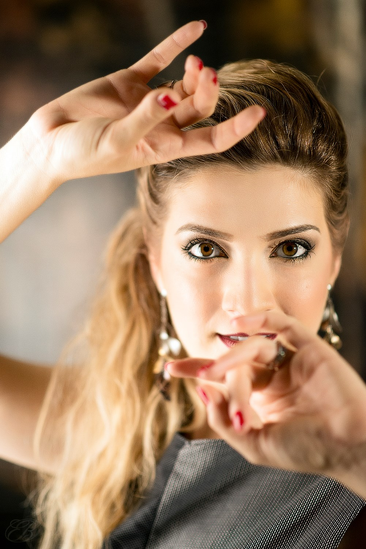 """Il 22 settembre Eleonora Mazzotti sarà a Formigine (in provincia di Modena) per presentare, insieme al regista Francesco Zarzana, il docu-film """"Tra le onde nel cielo"""". Dopo il successo al […]"""
