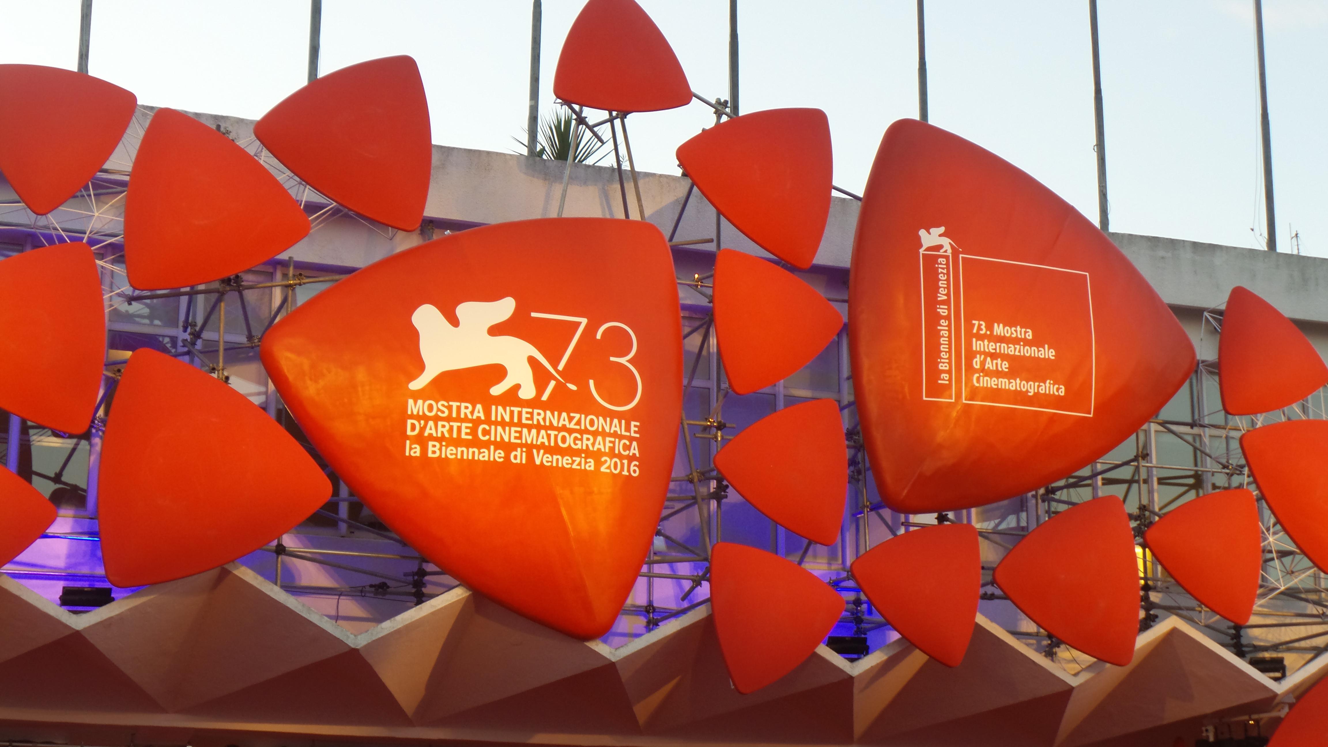 Amici di Mondospettacolo, vi ricordiamo che tutto ciò che riguarda la73a Mostra del Cinema di Venezia potrete trovarlo sulla nostra pagina Facebook: https://www.facebook.com/mondospettacolosocial Ci saranno recensioni, conferenze stampa, interviste, dirette […]