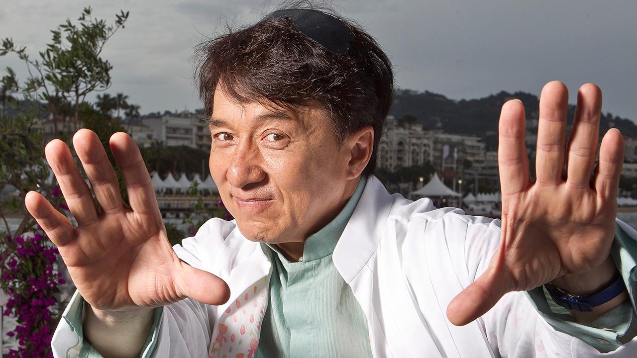 """Imalevoli dicono sia una manovra politica per ripulire la figura di Jackie Chan dal recente scandalo dei """"Panama Papers"""", che dietro ci siano poteri forti come il governo di Pechino, […]"""