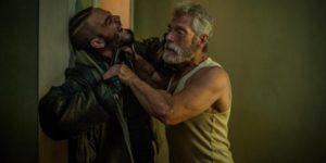 """Daniel Zovatto e Stephen Lang in """"Man in the dark"""""""