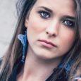 Cari lettori, oggi vi presenterò una giovanissima fotomodella che nonostante i suoi 20 anni, ha le idee davvero molto chiare. Il suo nome è Flo Manole, ma vediamo di conoscerla […]