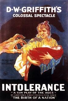 """La Storia dell'Umanità e dell'""""intolleranza"""", che ne ha segnato il percorso, dall'antichità ai nostri giorni, in 4 episodi di diverse epoche storiche. Nel capolavoro di D.W. Griffith Di: Galgano PALAFERRI. […]"""