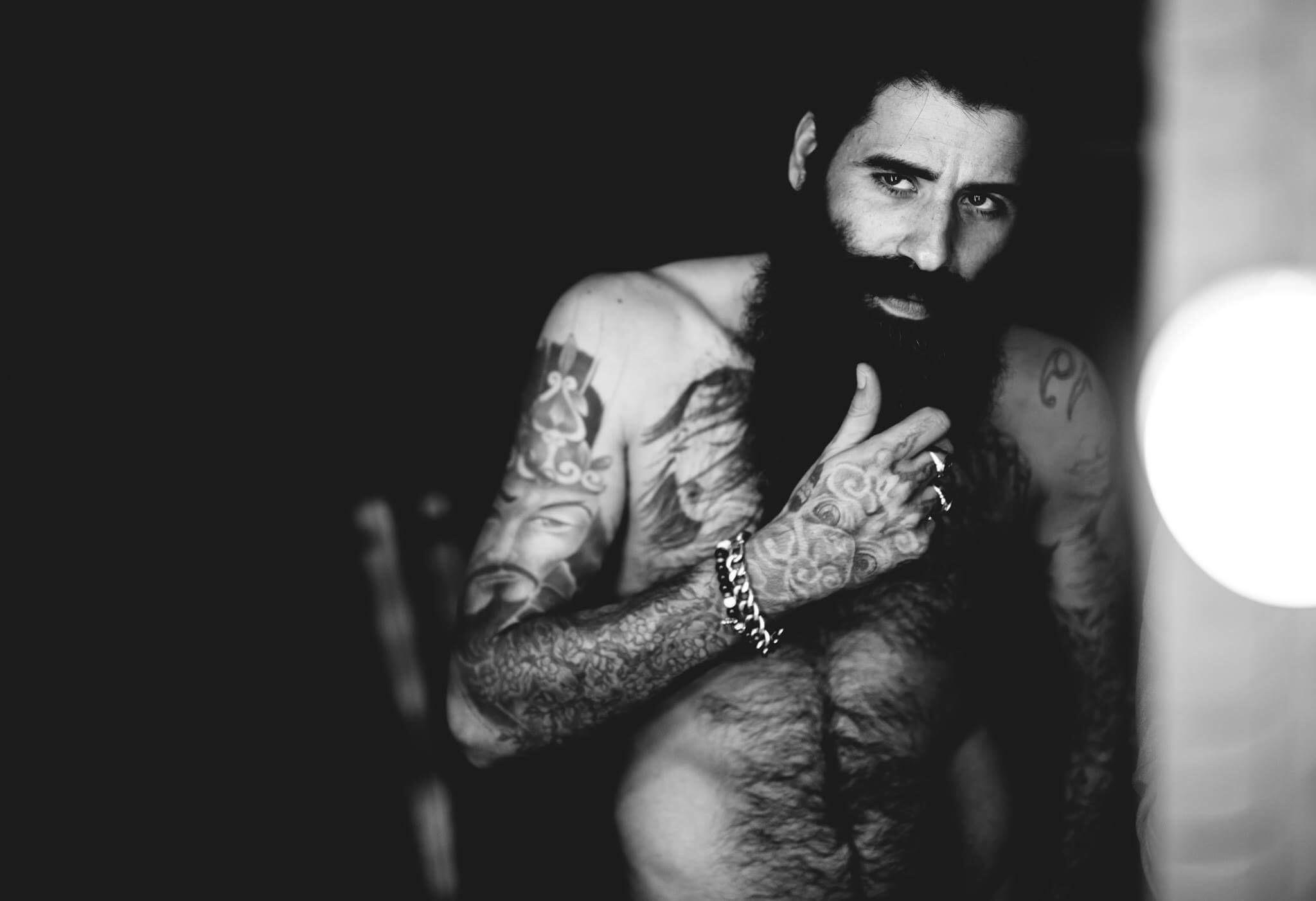 Simone Aragona è un modello Hipster molto richiesto. La sua barba èdi certo da annoverare tra le più famose ed importanti in Italia. Già testimonial per diversi brand ora lo […]