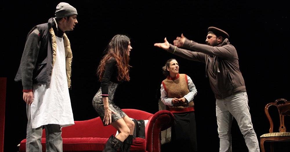 Al Teatro Ambra alla Garbatella di Roma è in scena Il Fantasma della Garbatella, scritto e diretto da Gabriele Mazzucco. Lallo è un ragazzo con una cugina stralunata, Angelina, un […]