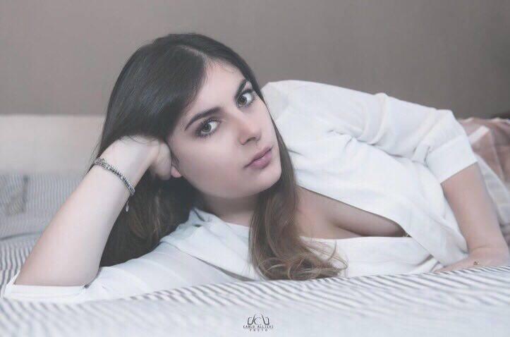 La TVl'ha conosciuta per la sua storia d'amore con l'ex concorrente del Grande Fratello Nando Colelli, ma Nicole Limonta a 25 anni non si è conquistata la ribalta solo per […]