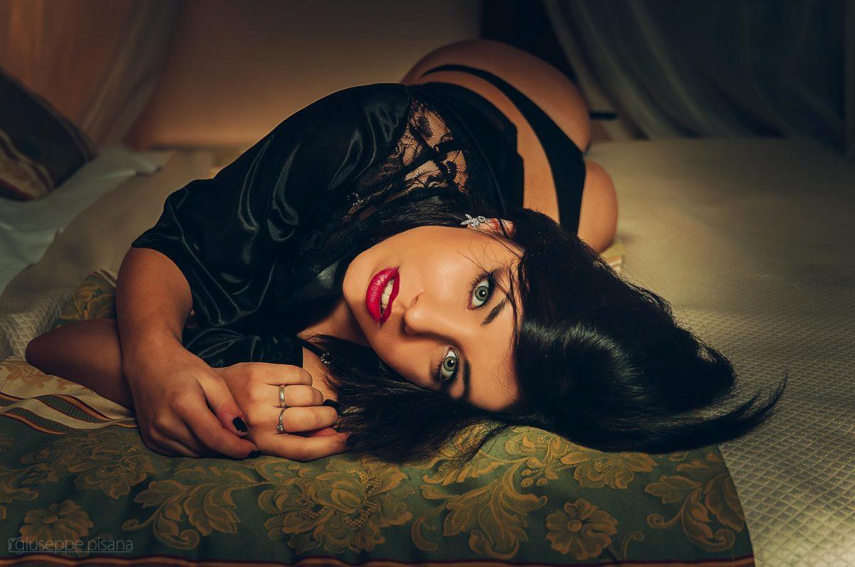 Amici di Mondospettacolo, oggi vi presenterò Arianna Amoruso una promettente fotomodella e aspirante attrice. Ciao Arianna parlaci di te. Ciao a tutti, sono Arianna, ho 22 anni e vengo da […]