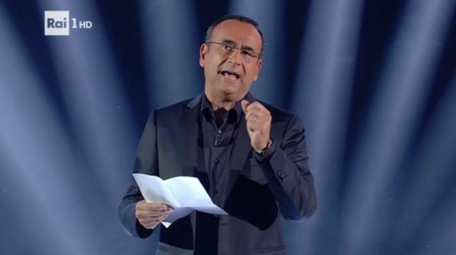 """Sanremo 2017: Carlo Conti durante la trasmissione """"Sarà Sanremo"""""""