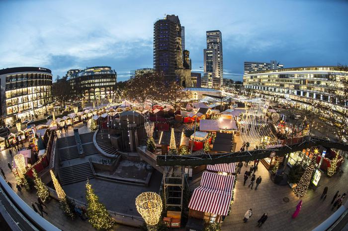 UTIM'ORA: Terrore a Berlino. Camion su mercatino di Natale. L'europa ripiomba nel incubo terrorismo. Di: Galgano PALAFERRI. E dunque ci risiamo, dopo Nizza ora Berlino. Con modalità simili a quelle […]