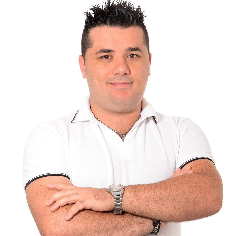"""Incontriamo Stefano Capano durante le registrazioni del nuovo format """"Tu come noi"""" dove interpreta il ruolo di un angelo custode. Ciao Stefano e benvenuto su MONDOSPETTACOLO. Un saluto a tutti […]"""