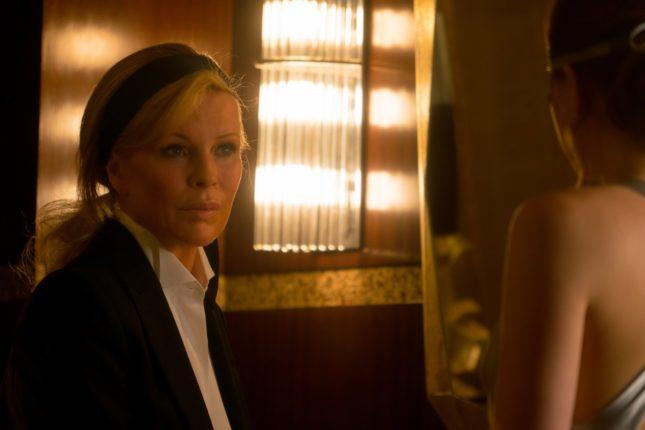 Kim Basinger (Elena Lincoln) in Cinquanta sfumature di nero