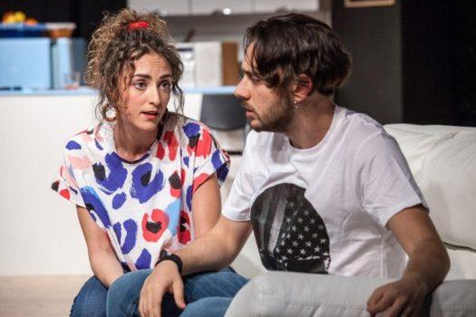 Chiamalo ancora amore: Emanuele Propizio cerca il conforto della sua fidanzata (Giulia Marinelli)