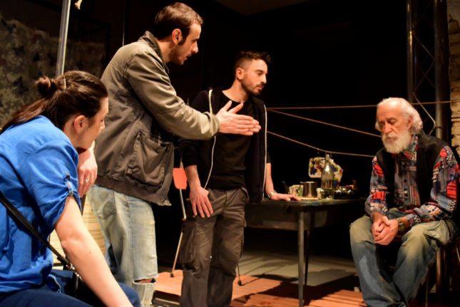 Cose popolari - Il cast con Nicola Pistoia