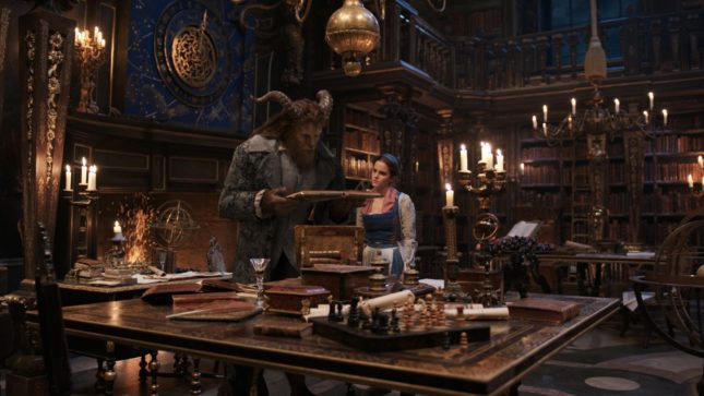 Emma Watson e Dan Stevens in La bella e la bestia