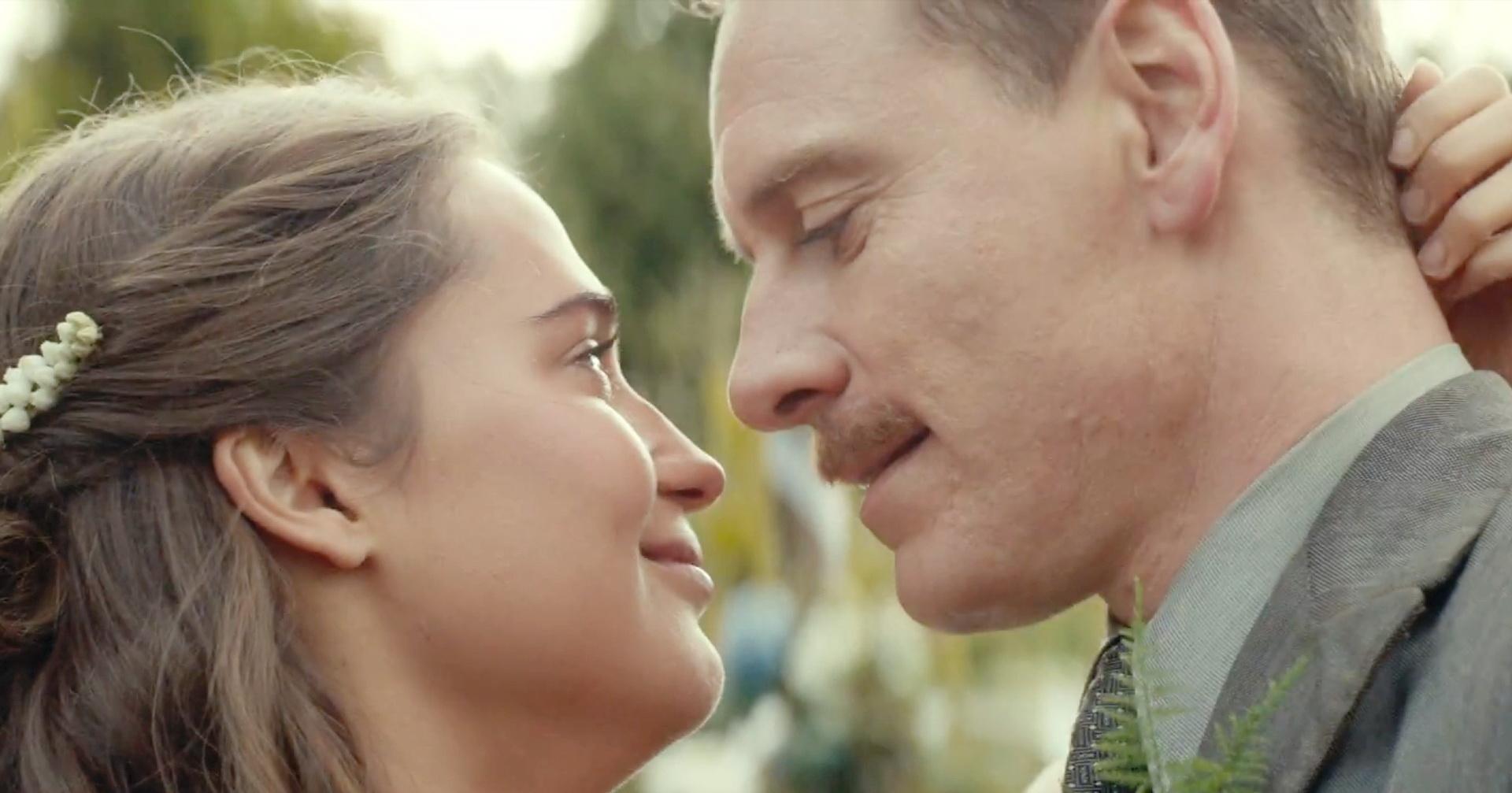 La luce sugli oceani diDerek Cianfrance, interpretato da Michael Fassbender e Alicia Vikander è un drammone in costume che arriva a livelli di tragicità assoluta, un macigno difficile da digerire. […]
