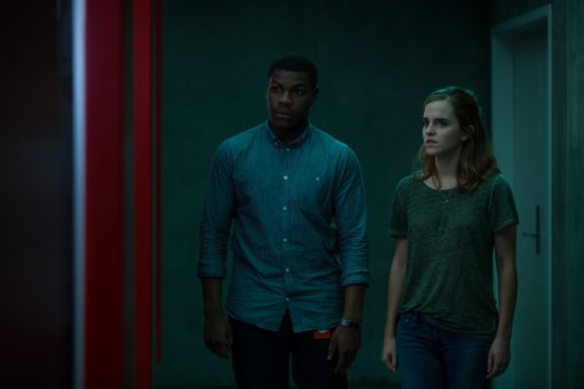 John Boyega ed Emma Watson in The Circle
