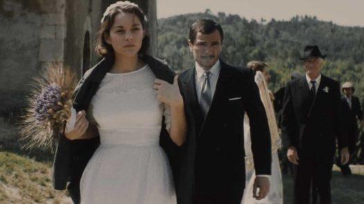 Mal di pietre: Gabrielle (Marion Cotillard) nel giorno del matrimonio con Josè (Alex Brendemühl)