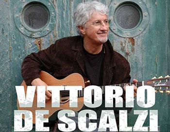 Il cantautore genovese torna in scena con un brano evocativo ispirato al suo mare e prodotto dal cantautore Zibba, suo conterraneo, celebrando i 50 anni di carriera. Il brano, come […]