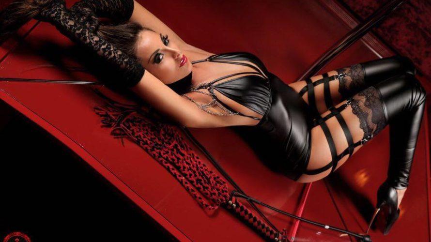 """""""Mistress si nasce, non si diventa"""". Parole di Marikah Bentley, una """"padrona"""" di professione, nome d'arte di una fra le donne più ricercate d'Italia dagli amanti del BDSM. Una ex […]"""