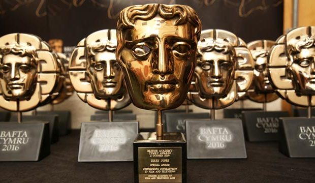 Happy Valley è la miglior serie dell'anno, premiata ai Bafta TV Awards 2017, battendo la giovane Regina Elisabetta di The Crown. Ai Bafta TV Awards 2017, gli Oscar della TV inglese, […]