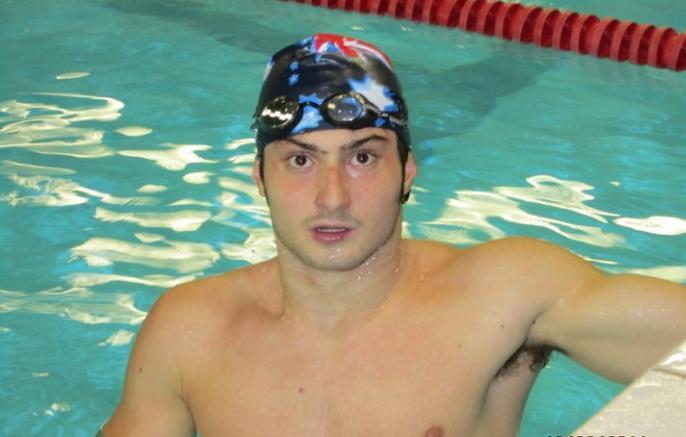 """Tutti a Genova parlavano dello """"Squalo"""" medaglia d'oro alle Paraolimpiadi di Rio e chiedendo ad una mia amica mi disse che era il figlio di una coppia di amici […]"""