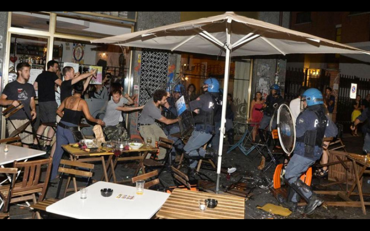 """""""Quello accaduto ieri sera in piazza Santa Giulia è intollerabile, Torino ormai è una città allo sbando in mano a chiunque decida di alzare la voce. I centri sociali sono […]"""