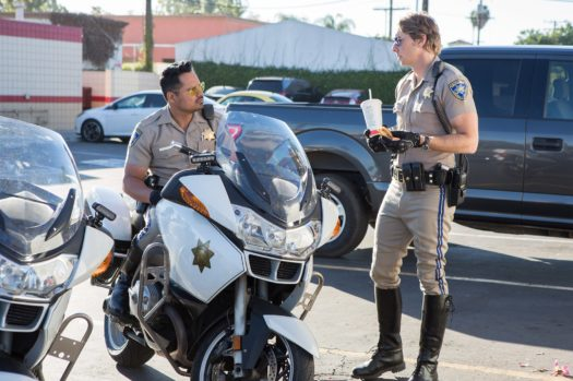 Michael Pena e Dax Shepard in CHIPS