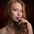 Amici di Mondospettacolo, oggi per la rubrica le Bellissime di Mondospettacolo voglio presentarvi Manuela Velini. Vediamo di conoscerla insieme. Manuela Velini, 35 anni vive a Roma. Professione: Doppiatrice e Attrice, […]