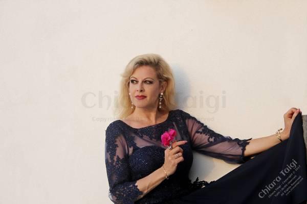 """Chiara Taigi, soprano di fama internazionale, è la stella dell'opera italiana. Un'artista poliedrica, versatile, profonda, espressiva e molto raffinata.La critica russa l'ha definita """"Regina dell'Opera"""".E' un miracolo di tecnica, tenacia […]"""