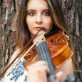 Erika Piras, appena 16 anni, ma già si parla di Lei come il nuovo talento della musica italiana. Giovanissima cantante di Massa che in molti paragonano niente di meno che […]