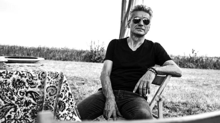 Made in Italy è una dichiarazione di amore frustrato verso il Paese, raccontata con le parole e la musica di Luciano Ligabue, attraverso lo sguardo di Riko. Un uomo onesto, […]