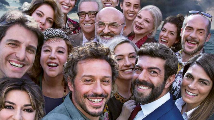 Diretto da Gabriele Muccino, A casa tutti bene è la storia di una grande famiglia che si ritrova a festeggiare le Nozze d'Oro dei nonni sull'isola dove questi si sono […]