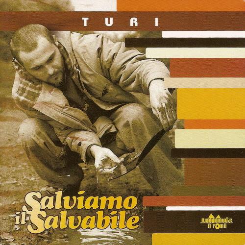 La storica label romana Antibemusic ristampa in vinile 180 grammi Salviamo il Salvabile, il primo album del rapper calabrese Turi. Il disco pubblicato per la prima volta nel 2001, è […]