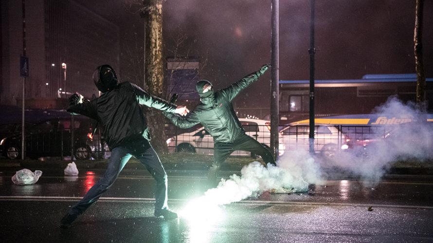 """Ancora una volta la furiosa violenza dei Centri Sociali, lo spiccato senso anti democratico e illiberale, sotto la copertura di un inaccettabile ed offensivo pretesto """"anti fascista"""", ha causato […]"""